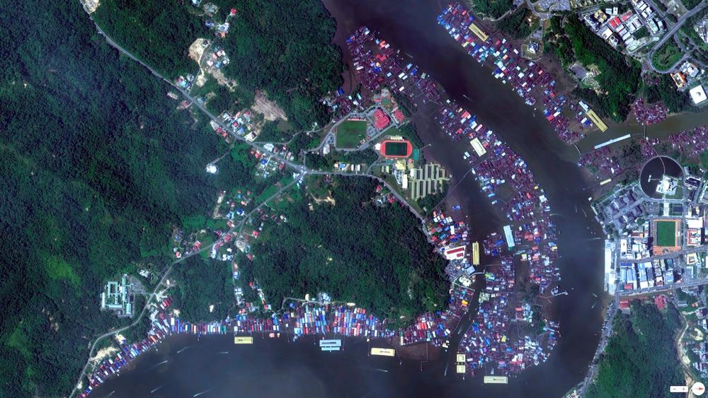 5/5/2014    Kampong Ayer Water Village   Bandar Seri Begawan, Brunei  4.882609,114.944737