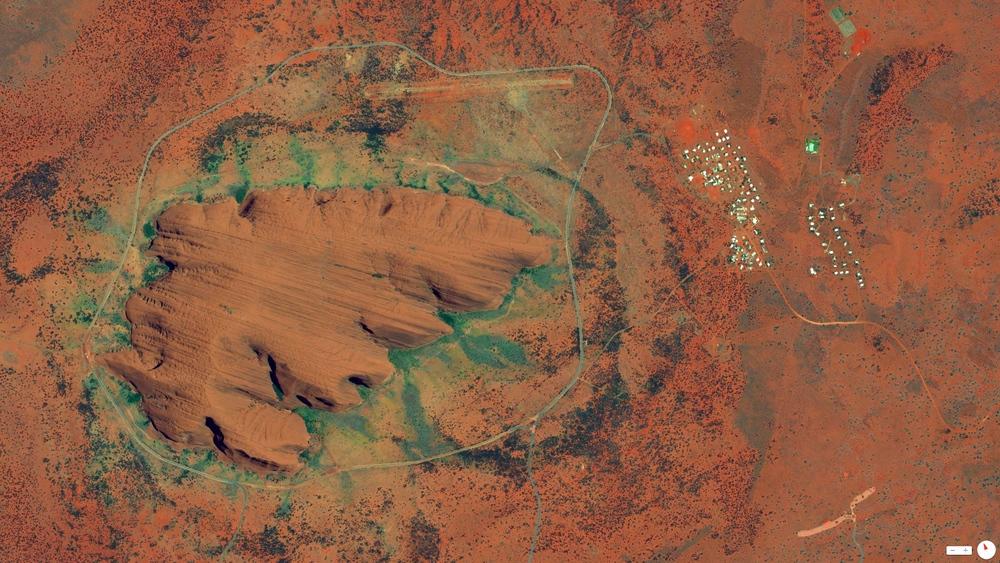 6/3/2014    Uluru / Ayers Rock   Northern Territory, Australia   25°20′42″S131°02′10″E