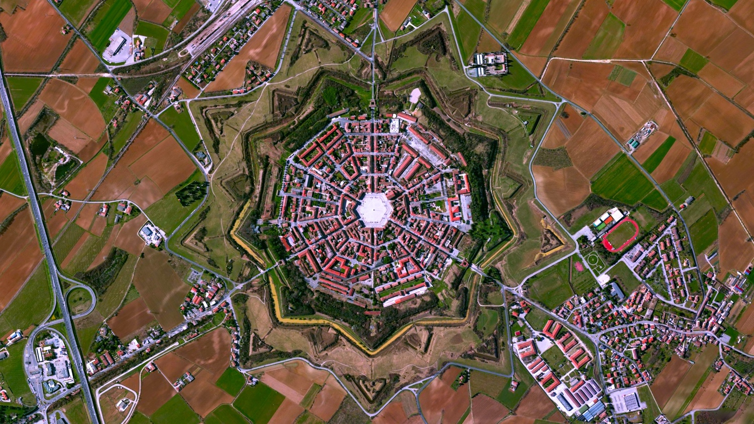 Vauban style star fort by Vincenzo Scamozzi in Palmanova, Italy