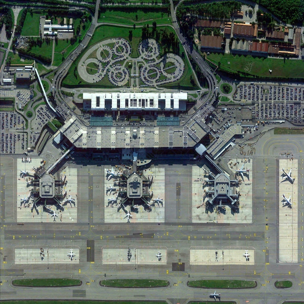 4/26/2015   Milan-Malpensa Airport   Ferno, Italy      45°37′48″N   008°43′23″E         Milan-Malpensa Airport handles more than 18.8 million passengers and 435,000 tons of cargo every year.