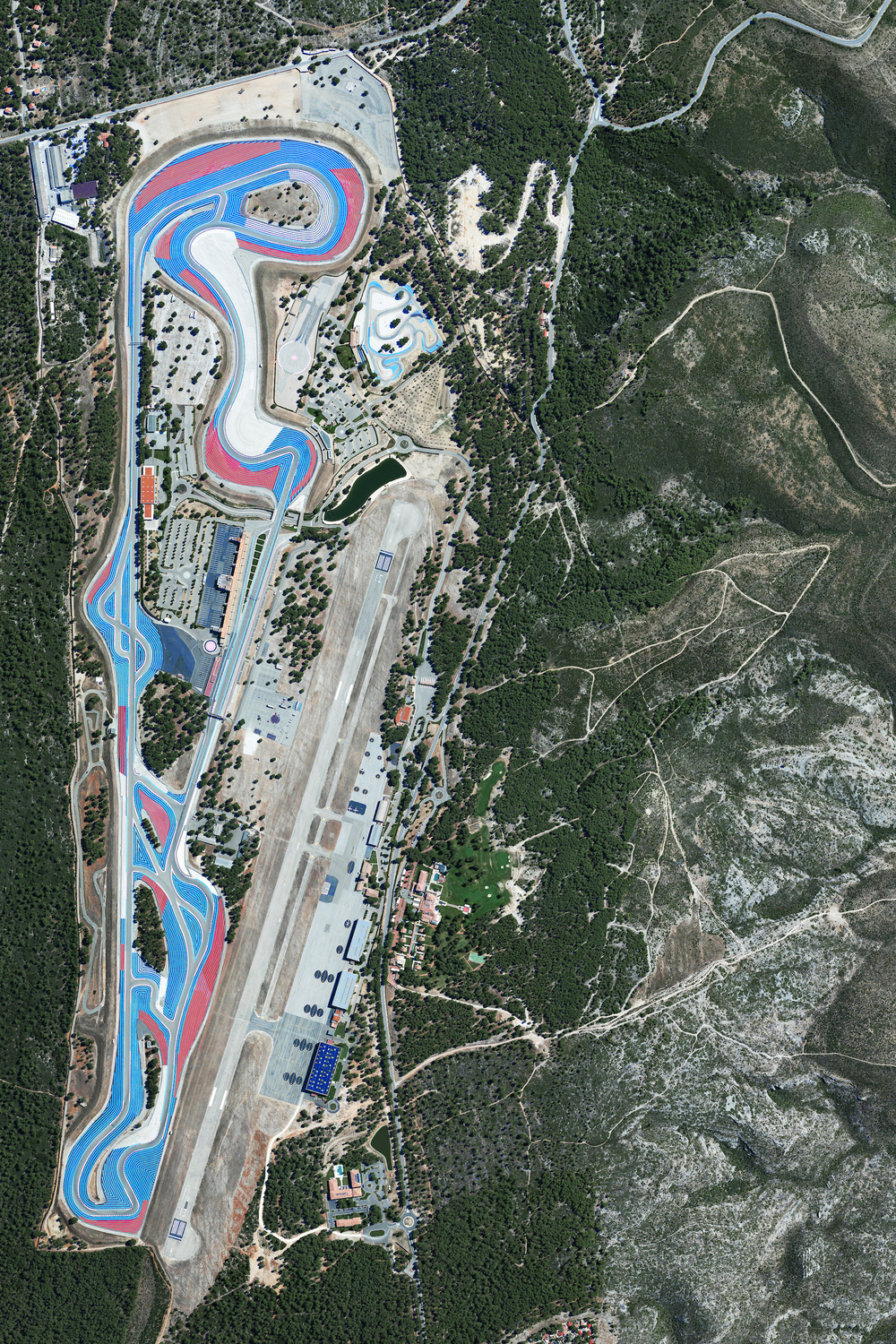 12/6/2015 Circuit Paul Ricard Le Castellet, France 43°15′2″N 5°47′30″E   Circuit Paul Ricard is a motorsport track at Le Castellet, near Marseille, France. The track is known for its distinctive black and blue runoff areas called the Blue Zone. Additional deeper run-off areas known as the Red Zone use a more abrasive surface designed to maximize tire grip and minimize braking distance.