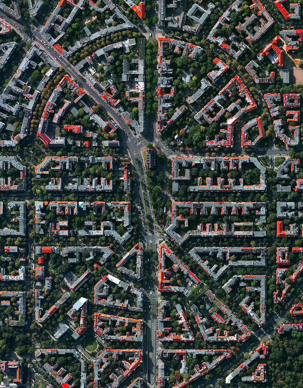 2/18/2016 Friedenau Berlin, Germany 52°29′00″N 13°22′00″E   Friedenau is a neighborhood in the southwestern suburbs of Berlin, Germany. The streets and squares of Friedenau are laid out in a geometric urban design known as a Carstenn Figure. This type of plan is characterized by a circular road that is divided by central avenue.