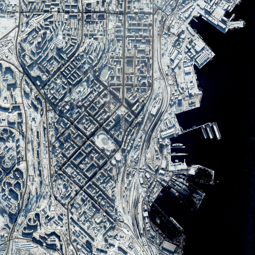 4/18/2016   Murmansk   Murmansk, Russia  68°58′N 33°05′E     Murmansk is a city located in the extreme northwest of Russia. With a population of nearly 300,000, it is the largest establishment north of the Arctic Circle. The record low temperature here is a blistering -39.4 degrees celsius (-38.9 degrees fahrenheit).
