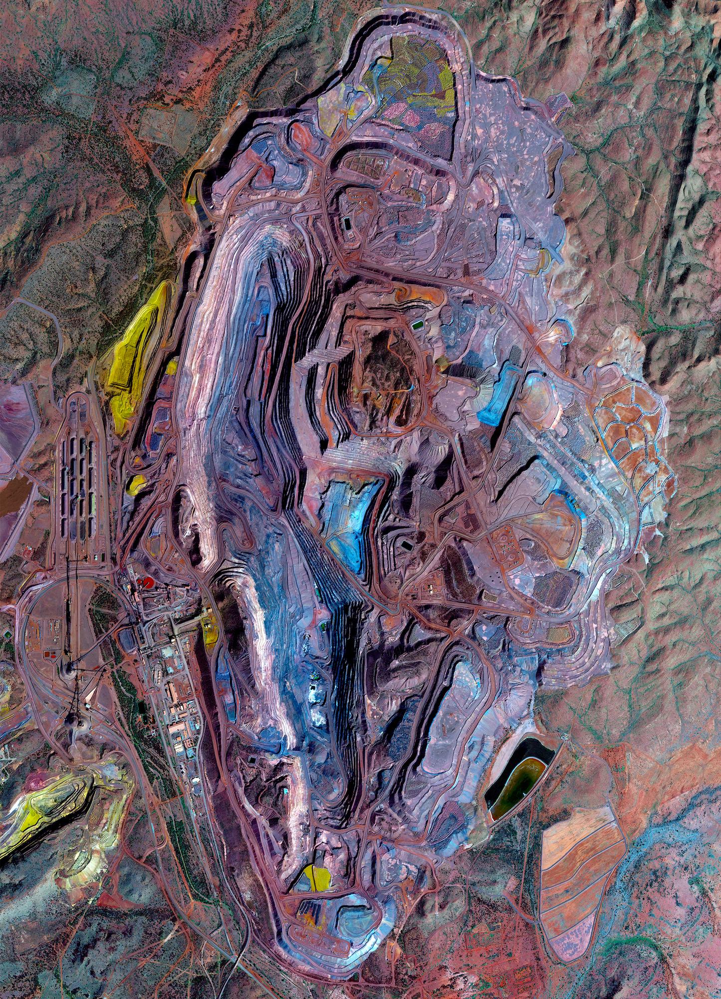 Bentuk Kenampakan Muka Bumi Yang Unik nan Indah dari Atas
