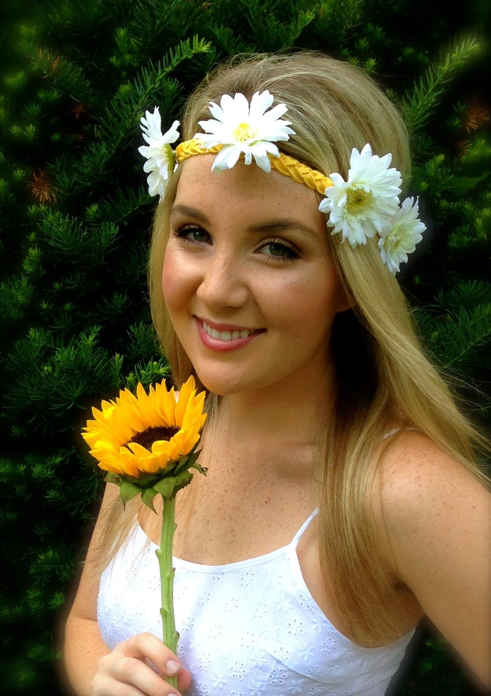 Haybands' White Daisy Flower JuJu Haylo in Yellow