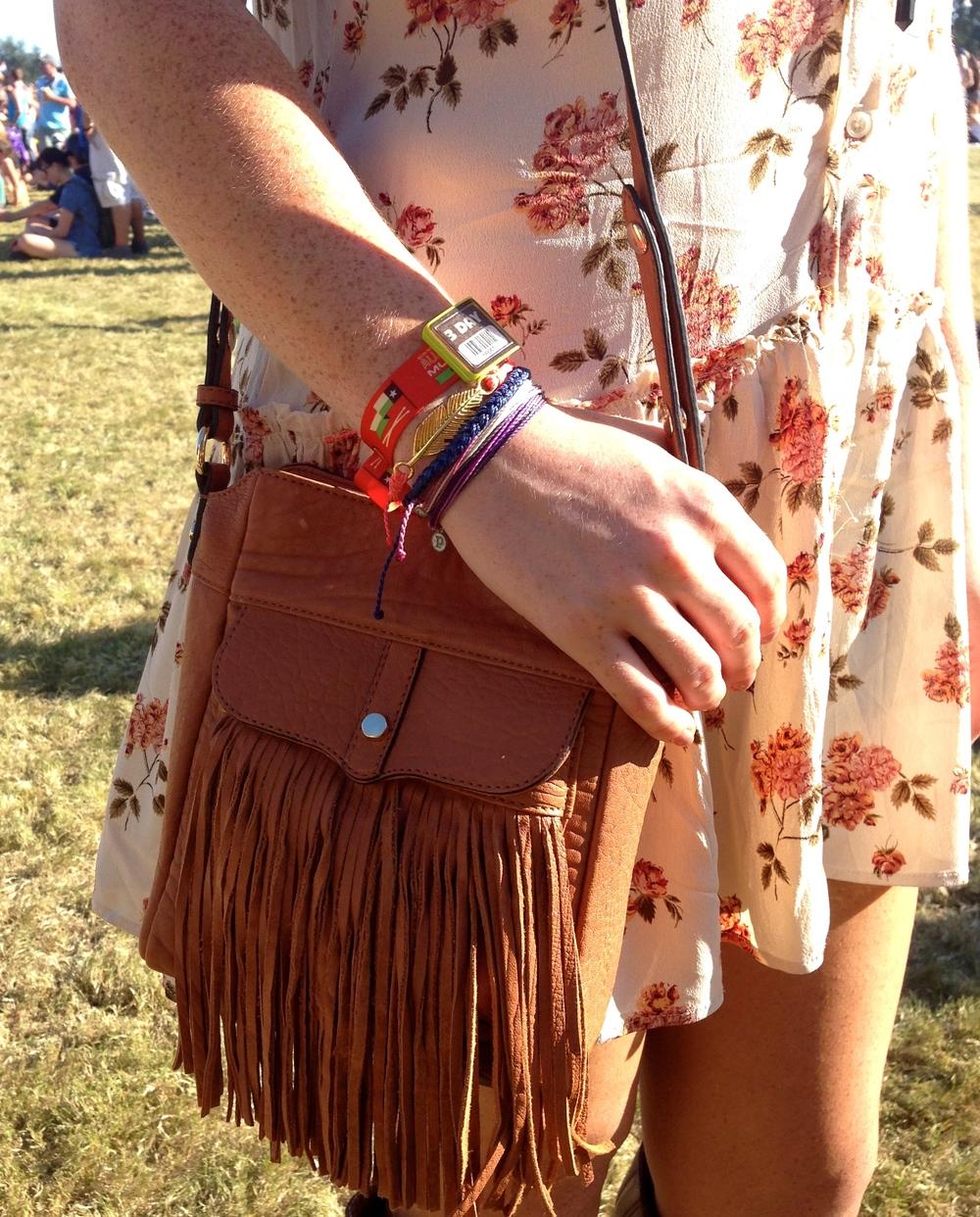 Pura Vida Bracelets were a fabulous accessory to the 3 Day pass wristband. Huge thank you to Pura Vida for sending us these bracelets! Bracelets- Pura Vida, Bag- Rebecca Minkoff: Similar Here and Here