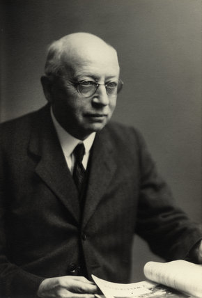 Sir Alfred Eckhard Zimmern (1879-1957) was a British classical scholar and historian, and political scientist writing on international relations. He was a supporter of Zionism.