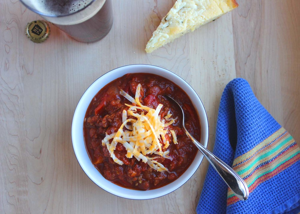 Spicy Red Chili with Beef and Bell Peppers     | Image:   Laura Messersmith