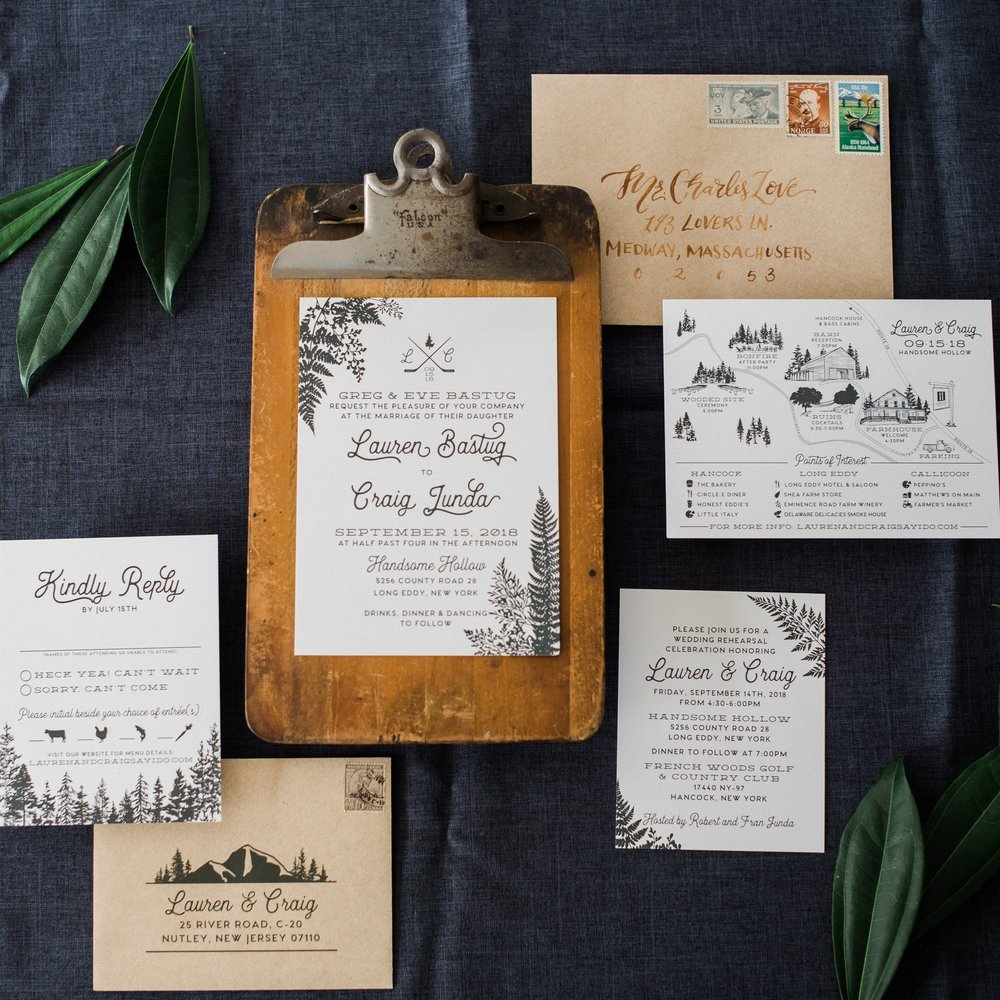 WOODLAND HANDSOME HOLLOW LINEWORK INVITATIONS