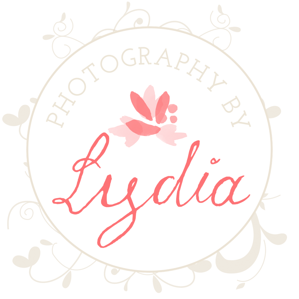 PhotographyByLydiaWithFlowers+(2).png
