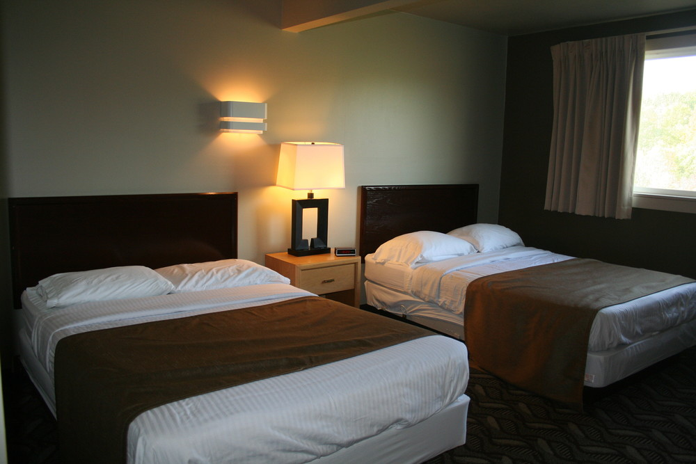 Hotel-Style Lodging: Cray Lodge