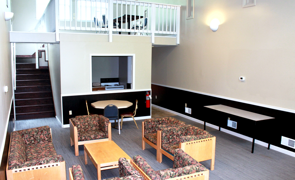 Retreat-Style Lodging: Oak Place