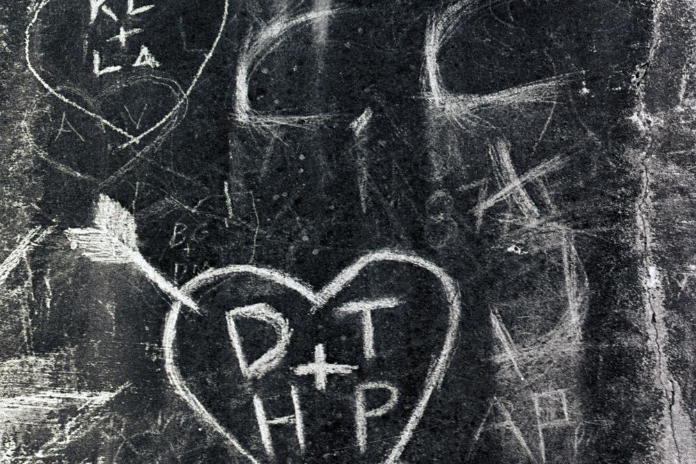 heartbreak-hotel-seawall-grafitti-2.jpg