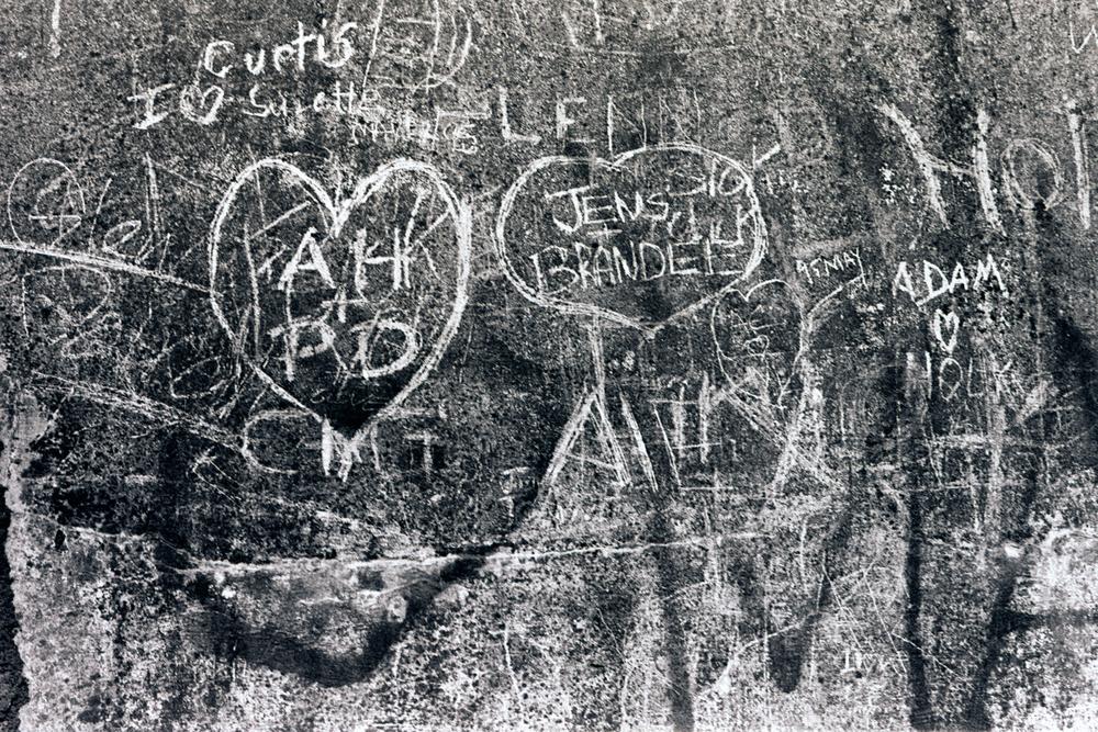 heartbreak-hotel-seawall-grafitti-huebner-1.jpg