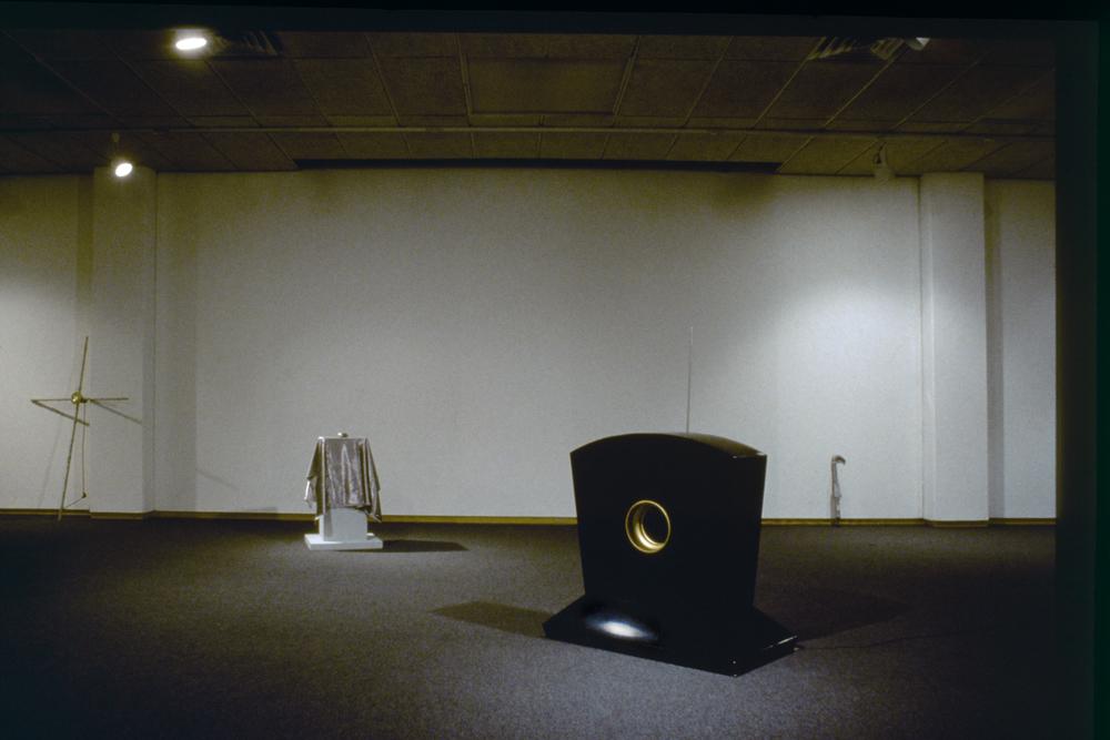 greyhound-series-installation-huebner-5.jpg