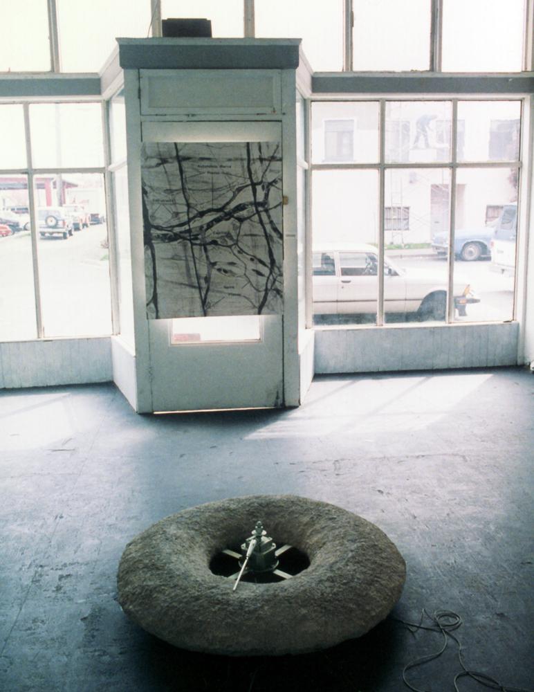 may-circle-be-unbroken-installation-huebner-4.jpg