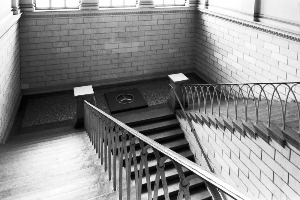 wishing-well-dusseldorf-installation-huebner-4.jpg