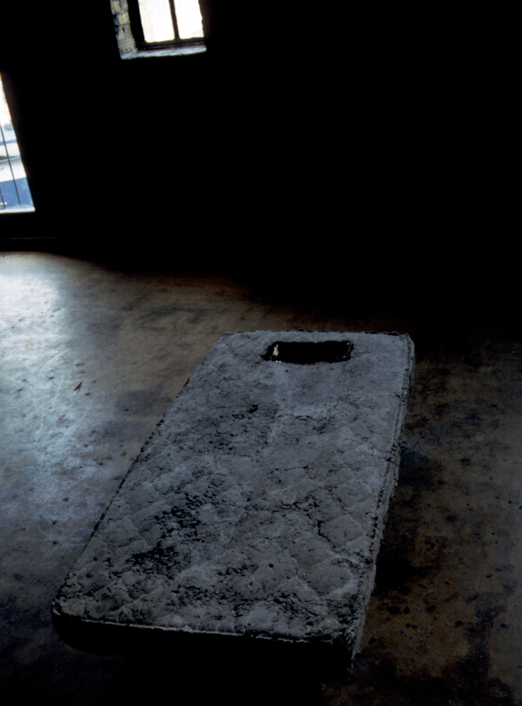 concrete-burning-mattress-installation-huebner-3.jpg