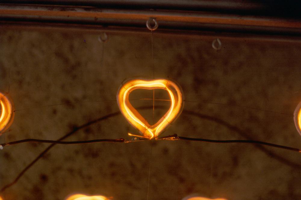 small-heart-bed-huebner-4.jpg