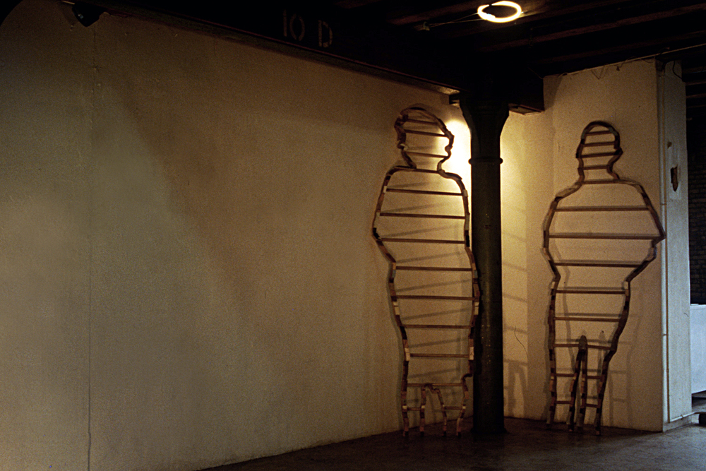 people-ladders-installation-huebner-5.jpg