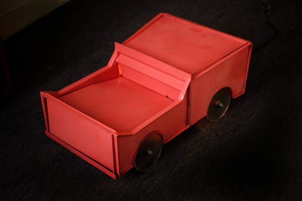 jfk-car-wild-thing-installation-huebner-4.jpg