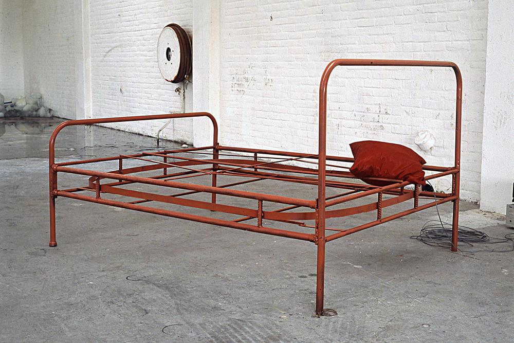 tram-bed-installation-huebner-8.jpg