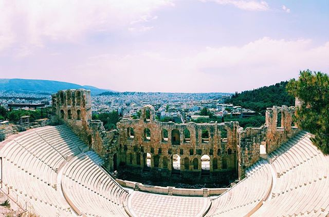 📍Theatre of Herodes Atticus . . . #athens #greece #acropolis