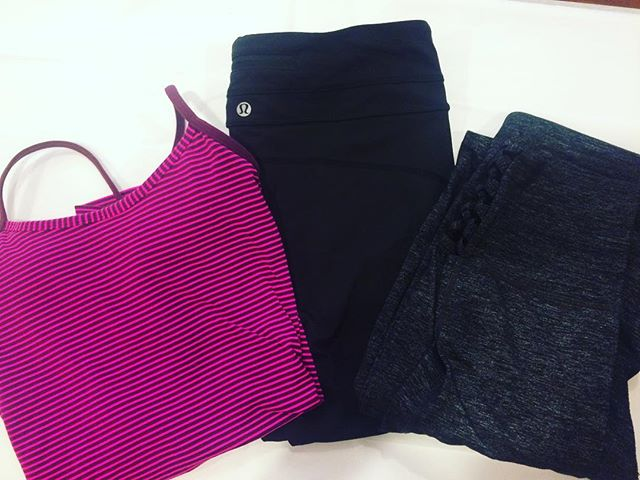 We regularly get in gently-worn workout apparel like these pieces from @lululemon (magenta top and blank leggings) and @athleta (grey capris)! Before you pay full price for your #athleisure wear, check the upstairs at Duo! #resale #sweatlife 🤸🏼‍♀️🚴🏻‍♀️🏋🏼‍♀️ . . . #lululemon #lululemonforsale #athleta #athletaforsale #workoutclothes #barreclothes #yogawear #spinclass #likenew #cvilleva #cvilleshopping #thecorner #uva #campuslife