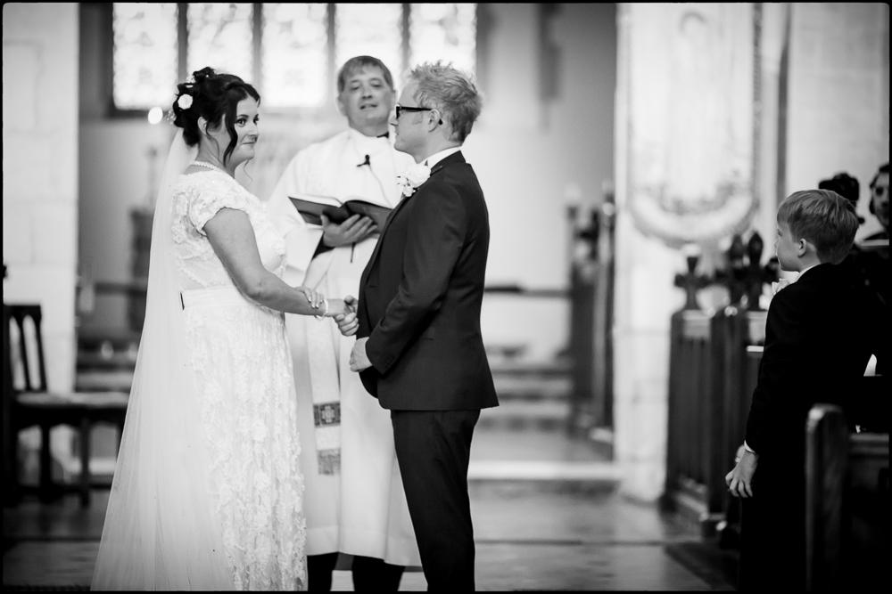 Vicki & Simon. Cold Harbour Barn, wedding photographer oxfordshire