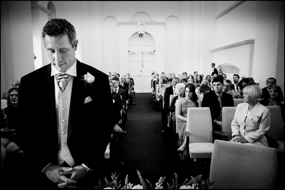 wedding photography at Blenheim Palace. Liz & Oli's Oxfordshire wedding.