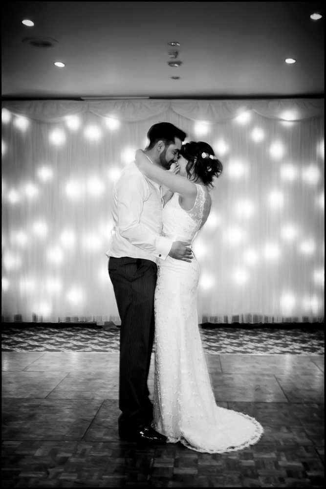 Hollie & Mitchell. Wrag Barn, Wedding photography   Wiltshire