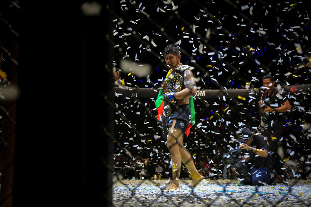 Aung La N Sang after being announced as the winner of the championship match. - Image Copyright VictoriaMilkoPhoto.Com