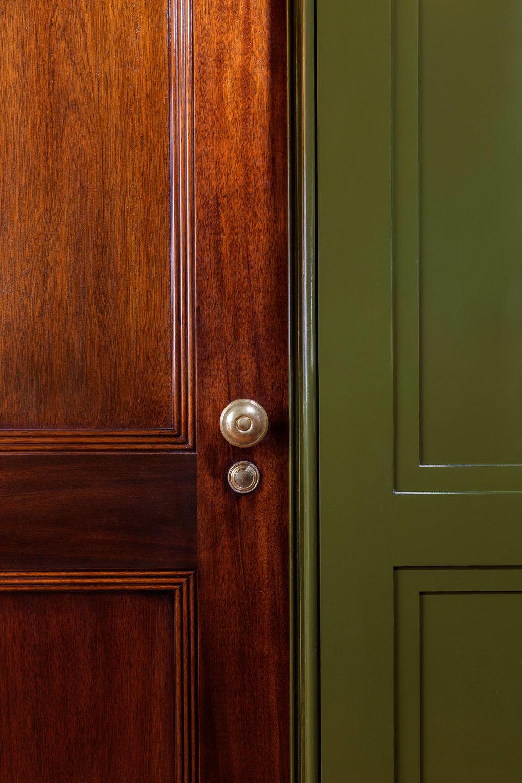 4 164 E 72ND ST ENT HALL DOOR.JPG