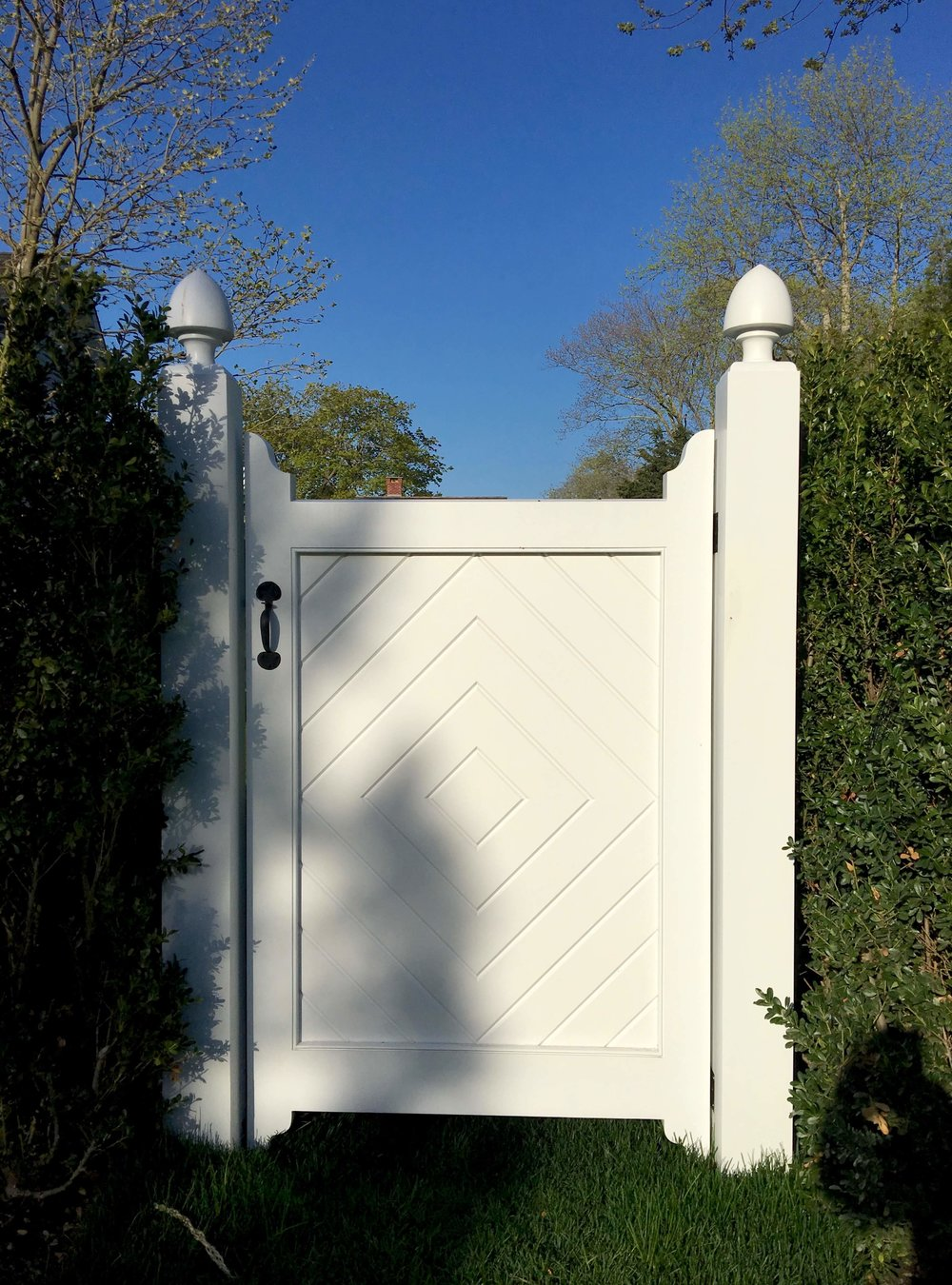 8 SOUTHAMPTON VILLAGE COMPOUND MH GATE 2.jpg