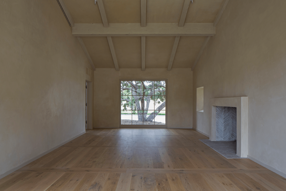 8 MONTECITO RANCH LIVING RM WEBSITE 2018.png