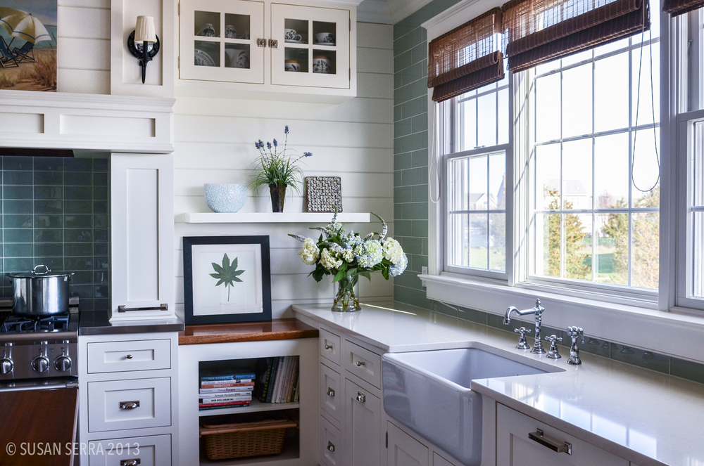 white kitchen-2.jpg