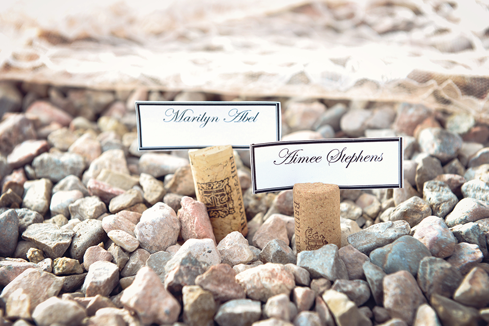 name-placement-weddings-wine-corks