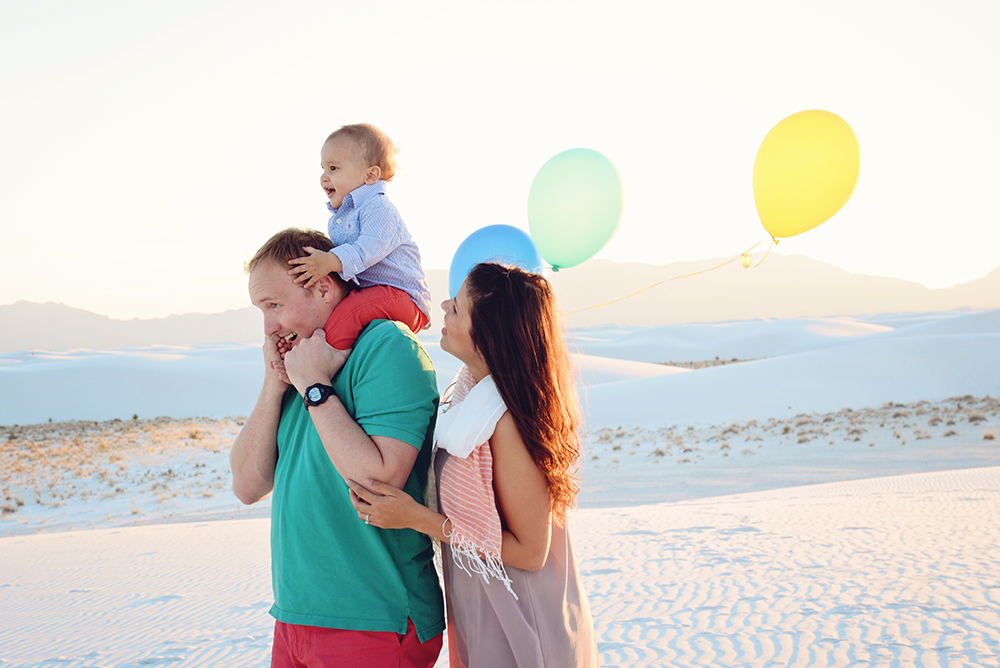 lifestyle-beach-family-photos-white-sands-connor