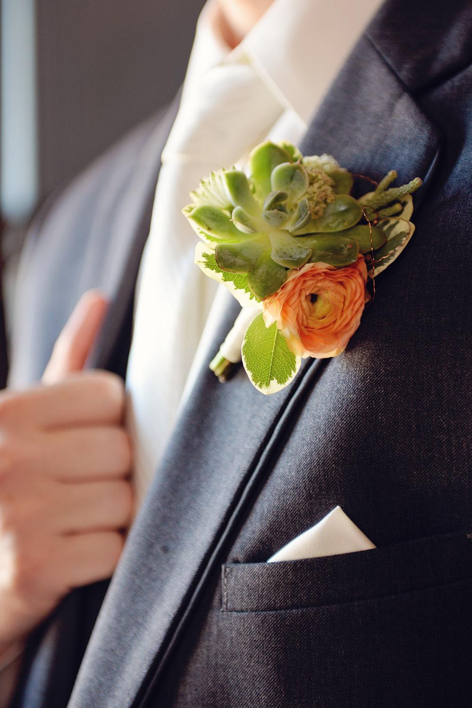 grooms-flowers-wisconsin-florist