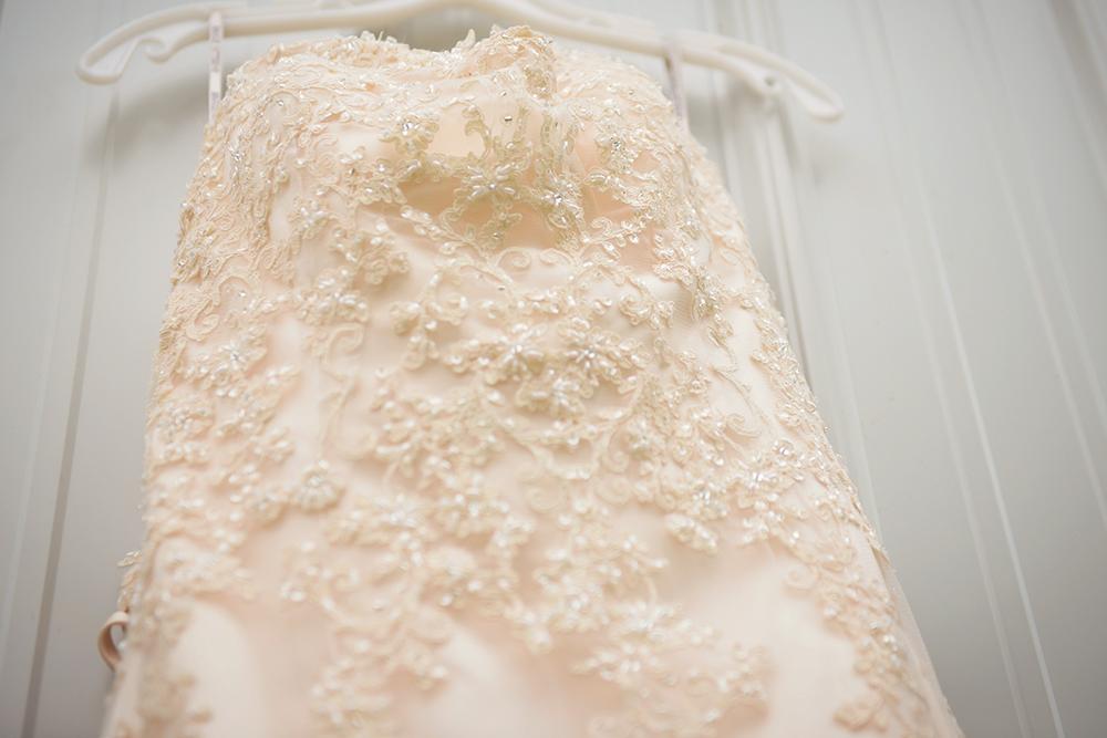 Belles-&-Beaus-wedding-dress-austin-photo