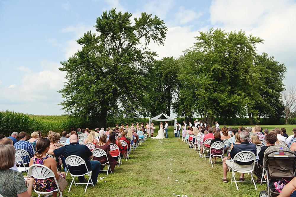outdoor-southeastern-minnesota-wedding