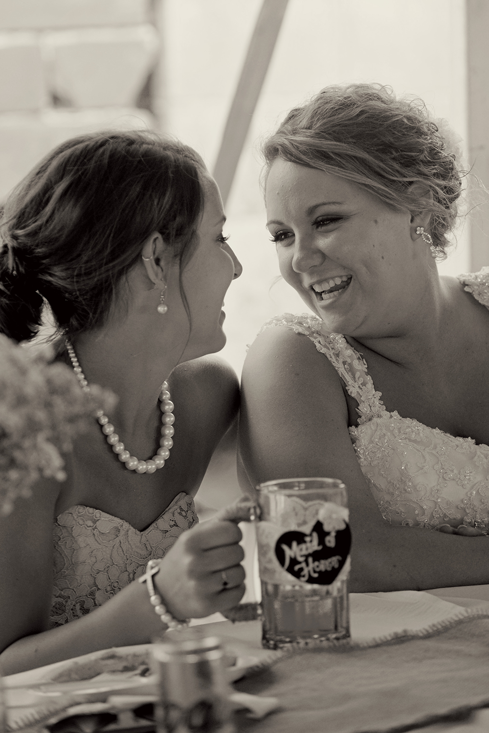 bride-and-maid-of-honor-black-and-white