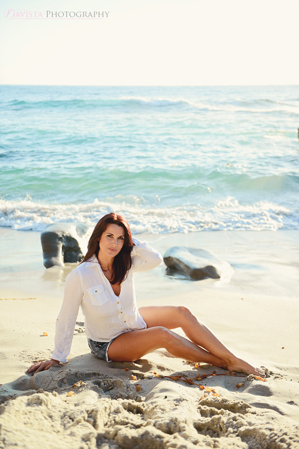 modeling-on-the-beach-sand-poses-photography