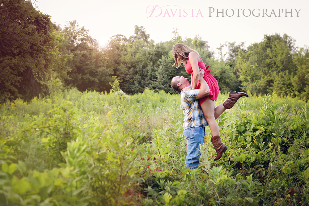 Minnesota-beautiful-engagement-poses