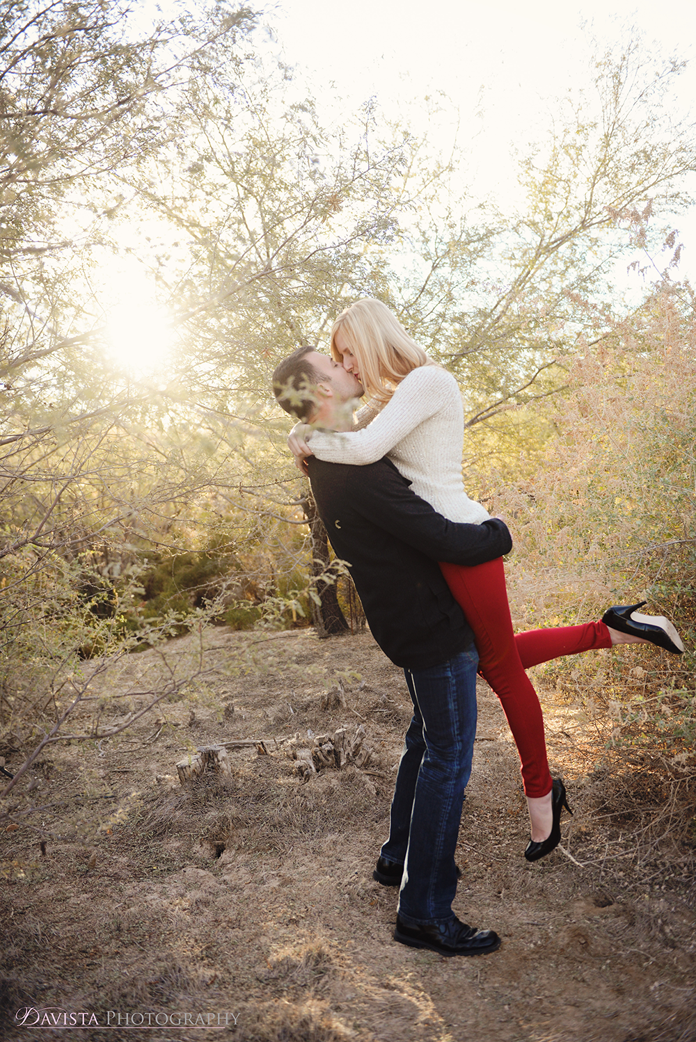 cute-couples-posing-christmas-davista-photography