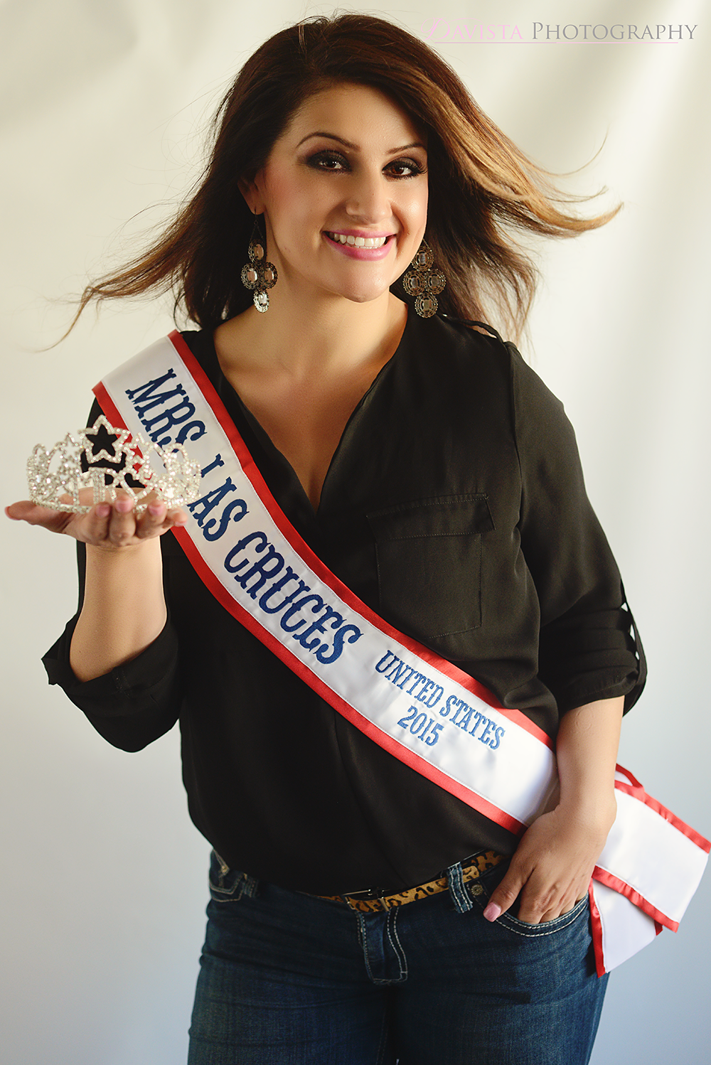 pageant-photography-with-crown-and-sash-unique-fun-new-mexico