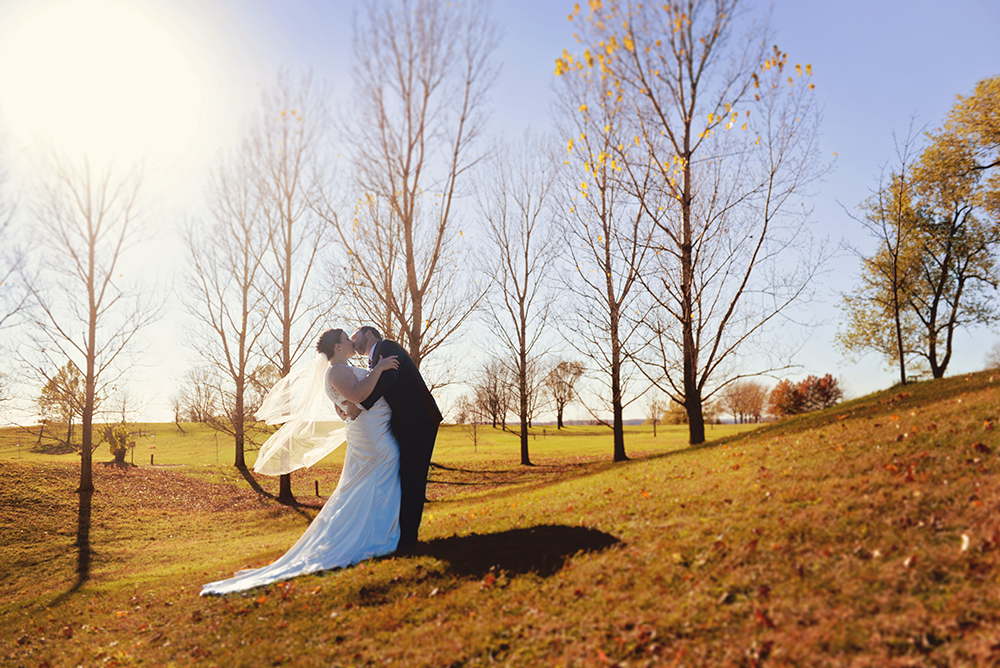 gorgeous-couples-portraits-autumn-wedding-memorial-hill