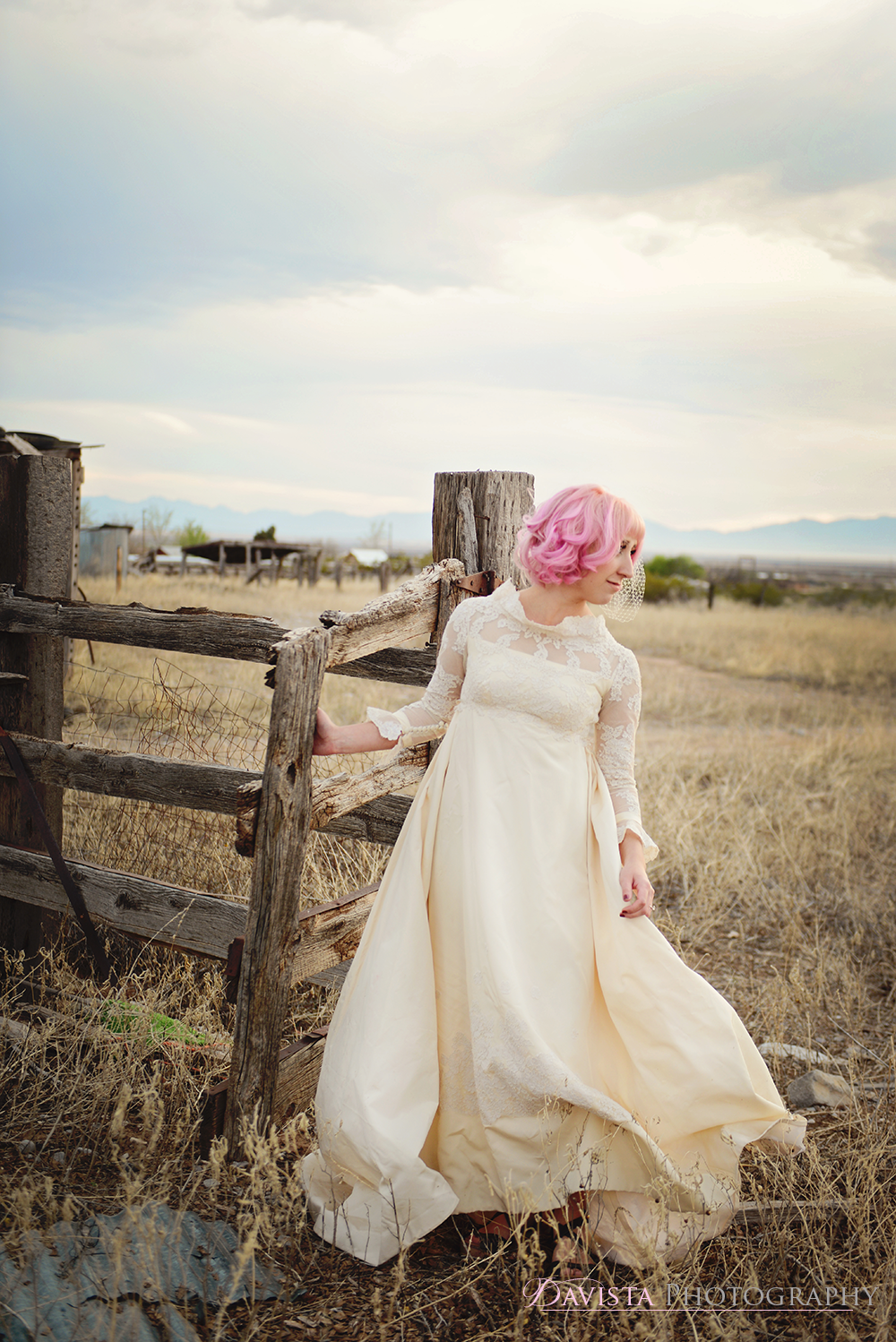 1960s-wedding-dress-fashion-shoot-alamogordo-new-mexico