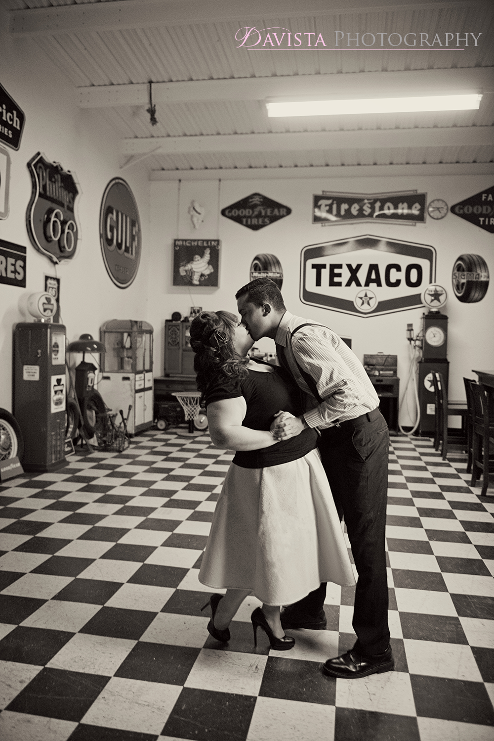 rockabilly-engagement-unique-bar-session-alamogordo-nm