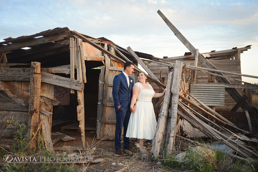 abandoned-house-wedding-photos-couples-portraits